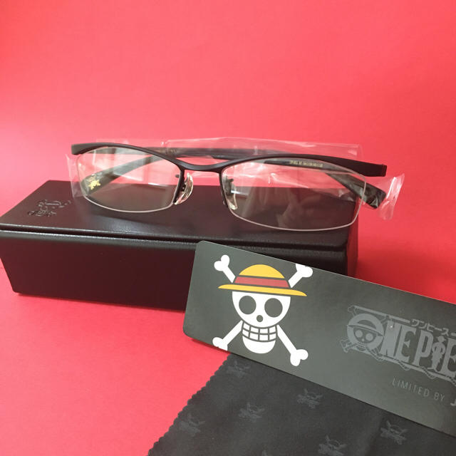 JINS(ジンズ)の【ONEPICE×JINS コラボ眼鏡 ゾロ】(度なしブラック) メンズのファッション小物(サングラス/メガネ)の商品写真