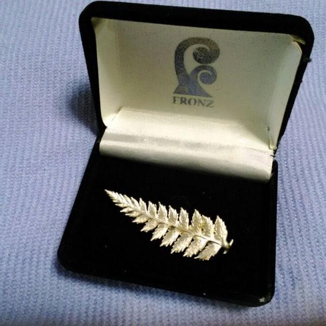 FRONZ ニュージーランド シルバーファーンピン メンズのファッション小物(その他)の商品写真