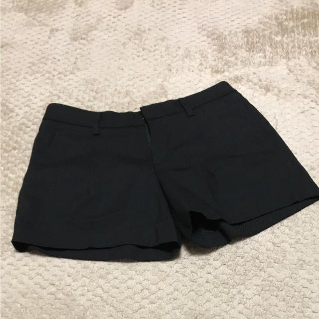 UNIQLO(ユニクロ)のUNIQLO 黒ショートパンツ レディースのパンツ(ショートパンツ)の商品写真