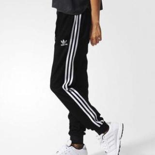 アディダス(adidas)の【最終値下げ】adidas originals トラックパンツ(ワークパンツ/カーゴパンツ)
