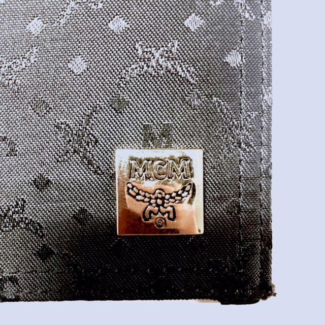 MCM(エムシーエム)の★新品 MCMエムシーエム レザーカートケース ブラック メンズのファッション小物(名刺入れ/定期入れ)の商品写真