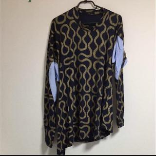 ヴィヴィアンウエストウッド(Vivienne Westwood)の着画あり!!Vivienne Westwood スクイグル柄 変形カットソー(その他)