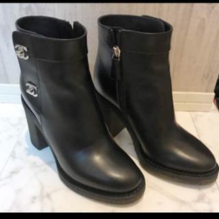 シャネル(CHANEL)のシャネル ブーツ ターンロック ショートブーツ(ブーツ)