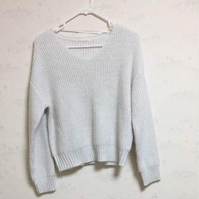 GU(ジーユー)の【美品】ニット 白 レディースのトップス(ニット/セーター)の商品写真
