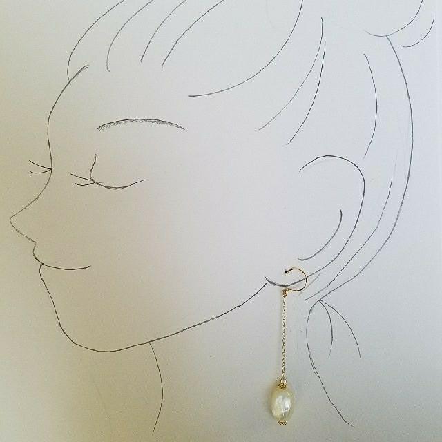 白蝶貝*ロング*ピアス ハンドメイドのアクセサリー(ピアス)の商品写真