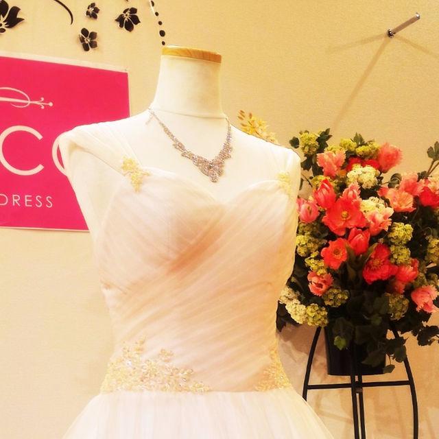 ウエディングドレス(パニエ無料特典) Aライン 披露宴にていかがですか レディースのフォーマル/ドレス(その他ドレス)の商品写真