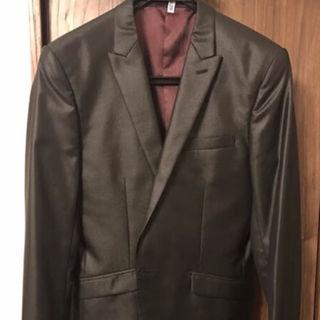 テットオム(TETE HOMME)の光沢スーツ(セットアップ)