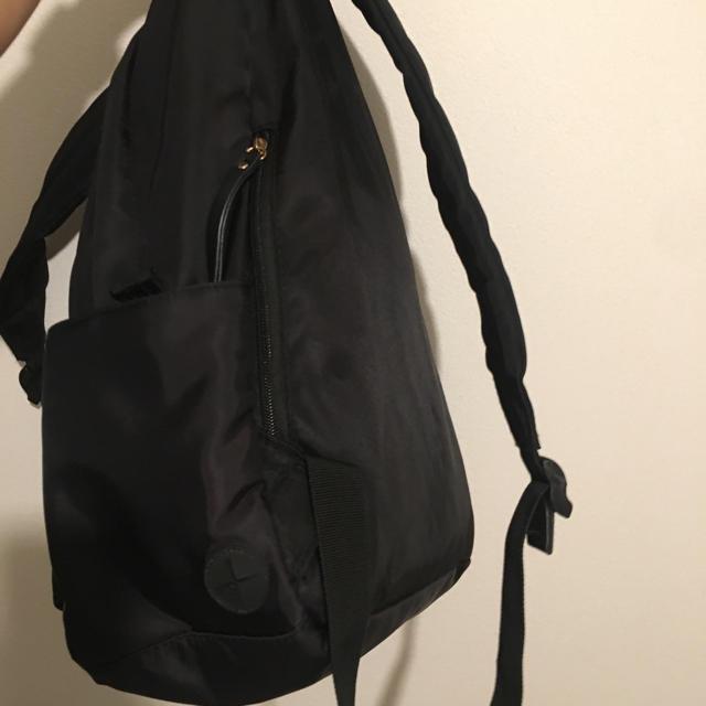 GLOBAL WORK(グローバルワーク)のシンプル黒リュック レディースのバッグ(リュック/バックパック)の商品写真