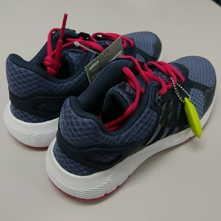 アディダス(adidas)の【新品】adidas アディダス レディースランニングシューズ(シューズ)
