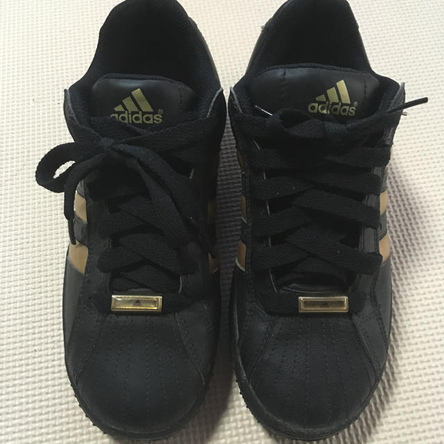 adidas(アディダス)のadidas レディース スニーカー 黒 レディースの靴/シューズ(スニーカー)の商品写真