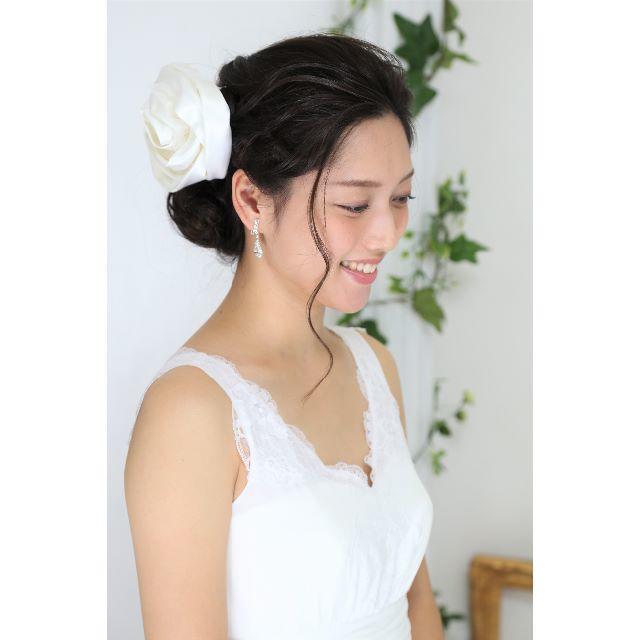1点もの*日本製 ローズ(薔薇)のヘッドドレス ウエディング*アイボリー レディースのフォーマル/ドレス(ウェディングドレス)の商品写真