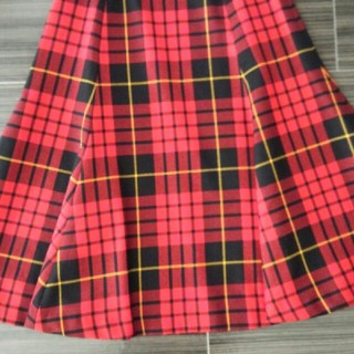 タータンショップヨーク(TARTANSHOP YORK)のフレアスカート(ひざ丈スカート)