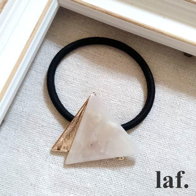 アセチ×メタル三角ヘアゴム:ホワイト レディースのヘアアクセサリー(ヘアゴム/シュシュ)の商品写真