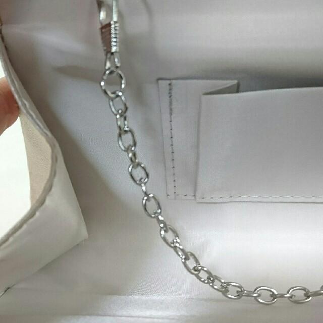 dazzy store(デイジーストア)の【新品未使用】結婚式・キャバ・着物にも!クラッチポーチ。パールベージュ。 レディースのバッグ(クラッチバッグ)の商品写真