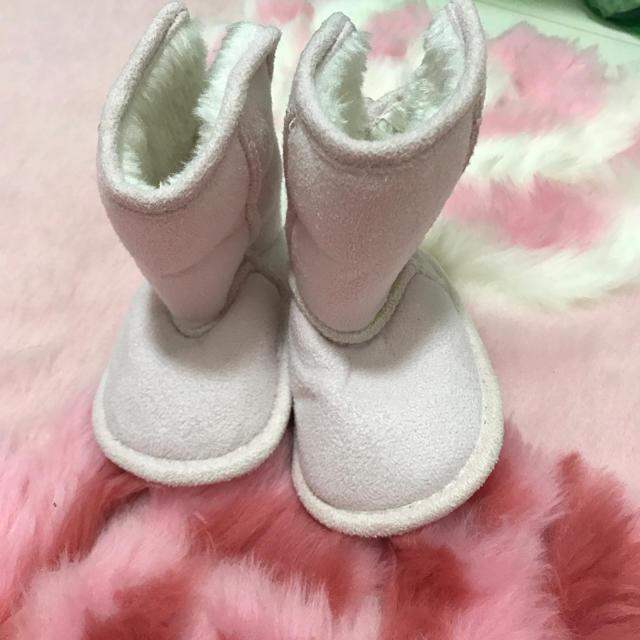 H&M(エイチアンドエム)のH&M☆赤ちゃんブーツ☆ピンク レディースの靴/シューズ(ブーツ)の商品写真