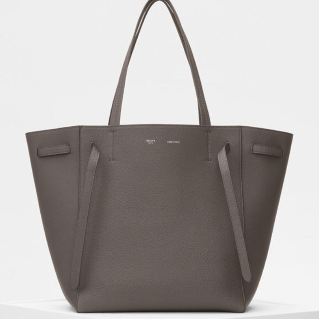 celine(セリーヌ)の日本未発売 celine 新色 カバ ファントム✨ レディースのバッグ(トートバッグ)の商品写真