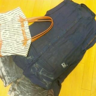 ジーユー(GU)のg.u. ♡ トップス(シャツ/ブラウス(半袖/袖なし))