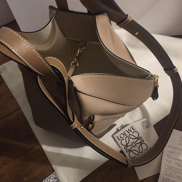 LOEWE(ロエベ)のロエベ✨ハンモック レディースのバッグ(ショルダーバッグ)の商品写真