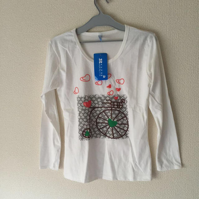 新品タグ付き 綿 Tシャツ  長袖 ホワイト M レディースのトップス(Tシャツ(長袖/七分))の商品写真