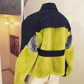 トーガ(TOGA)のakira naka ファイファージャケット 美品(毛皮/ファーコート)