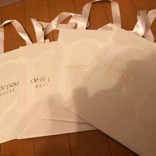 クレドポーボーテ(クレ・ド・ポー ボーテ)のクレドポー ボーテ紙袋ギフト用未使用ショッパー✴︎ロゴ入りグログランリボン(その他)