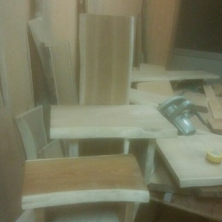 製作中椅子型飾り台(その他)