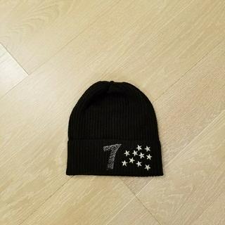 イズリール(IZREEL)のイズリール星のスタッズ付きニット帽(ニット帽/ビーニー)