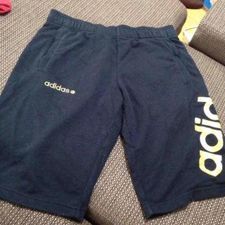 アディダス(adidas)のadidas半ズボン(ハーフパンツ)