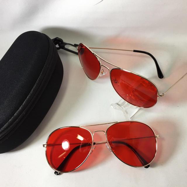 NEWティアドロップUVライトレッドレンズハードケース付 メンズのファッション小物(サングラス/メガネ)の商品写真