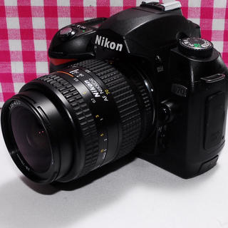 ニコン(Nikon)の❤相棒と出掛けよう❤Nikon D70 レンズキット♪⭐安心保証⭐(デジタル一眼)