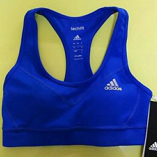 アディダス(adidas)のアディダス techfit スポーツブラ  ヨガブラ ブルー Sサイズ(その他)