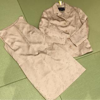 ヨンドシー(4℃)の4℃ ラメ スーツ ゴールドベージュ 春秋用  卒業式 入学式(スーツ)