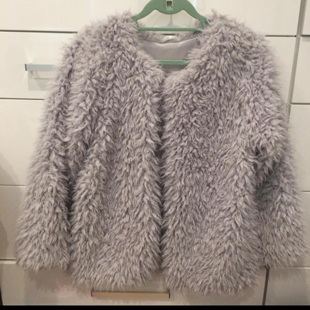 dholic(ディーホリック)のふわふわ ジャケットコート ほぼ未使用 レディースのジャケット/アウター(毛皮/ファーコート)の商品写真