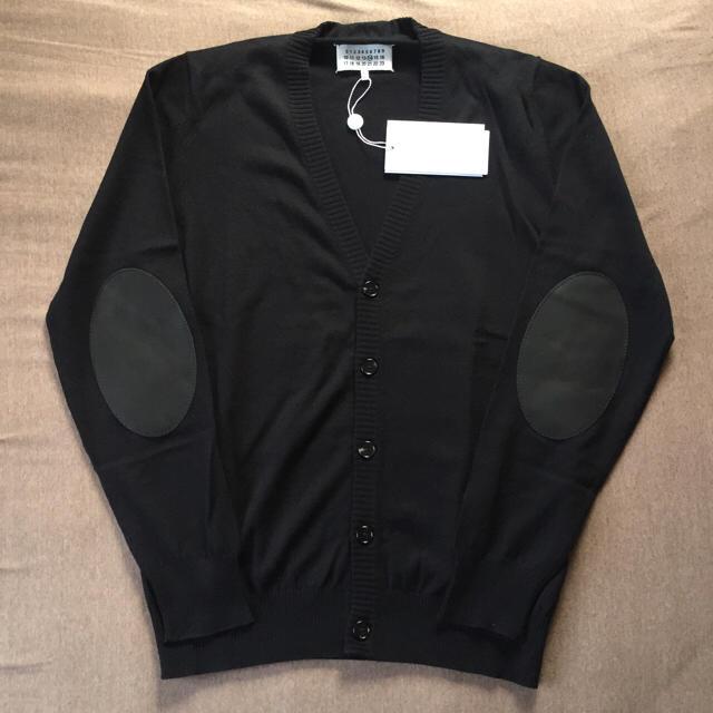 Maison Martin Margiela(マルタンマルジェラ)の黒L新品50%off マルジェラ エルボーパッチ ウール ニットカーディガン メンズのトップス(ニット/セーター)の商品写真