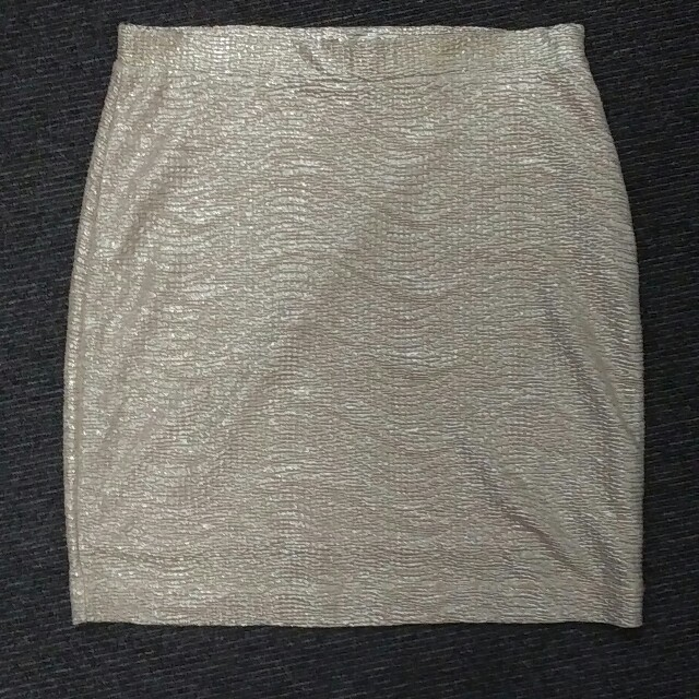 H&M(エイチアンドエム)のH&M☆ゴールドスカート レディースのスカート(ミニスカート)の商品写真