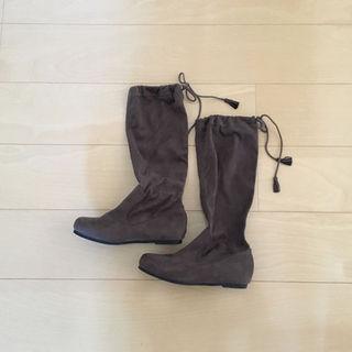ムジルシリョウヒン(MUJI (無印良品))の未使用 無印良品 タッセル付きたためるブーツ(ブーツ)