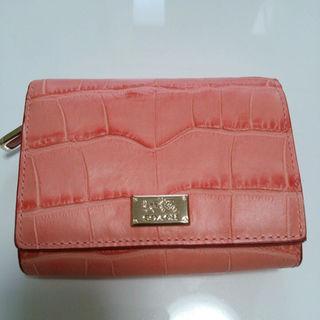 コーチ(COACH)の新品コーチ◆COACH 二つ折り財布 ピンク クロコ型押し 福袋プレゼントに☆(財布)