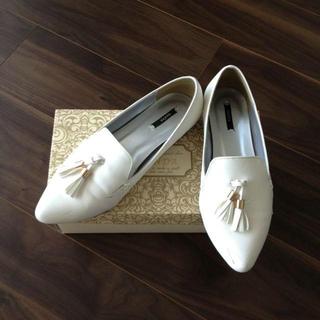 ランダ(RANDA)の送料込☆RANDAホワイトオペラシューズ(ローファー/革靴)