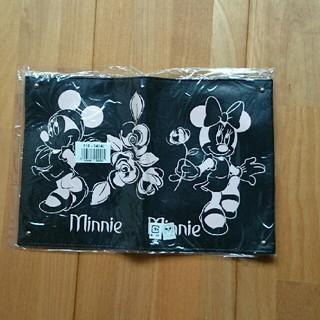 ディズニー(Disney)の新品 ミニーちゃん 通帳ケース 母子手帳ケース パスポートケース 送料込み(母子手帳ケース)