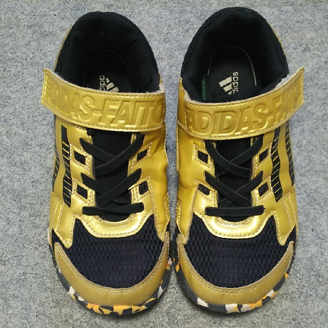 20cm adidas スニーカー