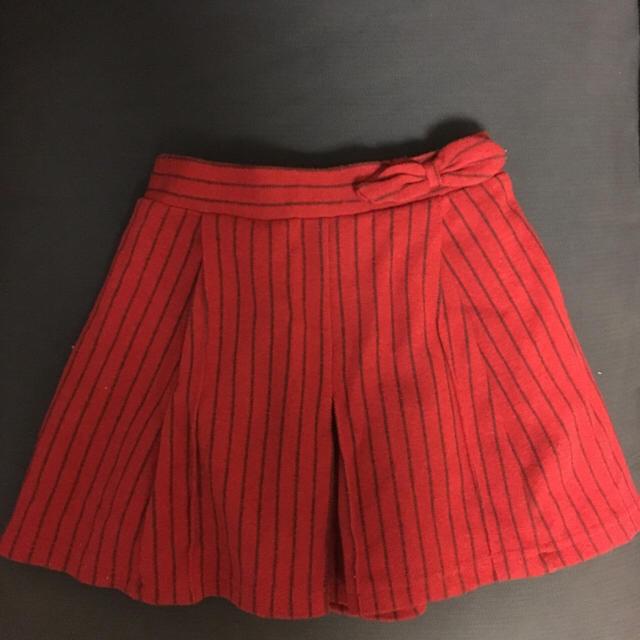 GU(ジーユー)のキュロットスカート 美品 キッズ/ベビー/マタニティのキッズ服 女の子用(90cm~)(スカート)の商品写真