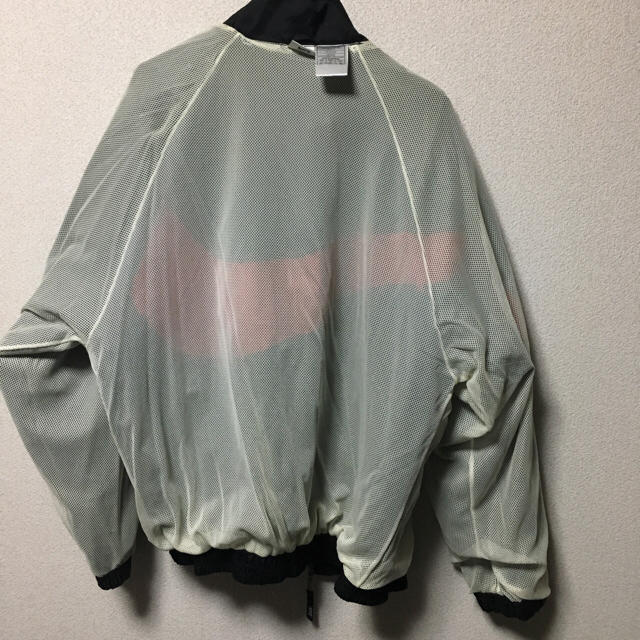 NIKE(ナイキ)のナイキ ビッグロゴアノラックパーカー メンズのジャケット/アウター(ナイロンジャケット)の商品写真