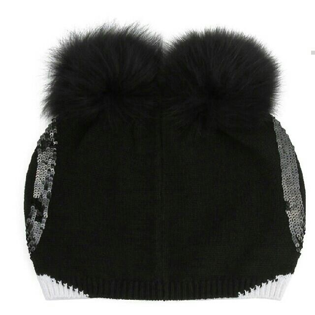 Alice+Olivia(アリスアンドオリビア)のsayuri様専用 新品 アリスアンドオリビア ステイシーフェイス ビーニー レディースの帽子(ニット帽/ビーニー)の商品写真