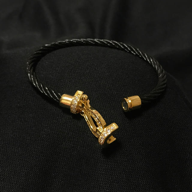 キュービックジルコニア ホースシューブレスレット ゴールド 三代目JSB メンズのアクセサリー(ブレスレット)の商品写真