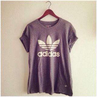 アディダス(adidas)の古着 adidas 両面プリントTEE♡(Tシャツ(半袖/袖なし))