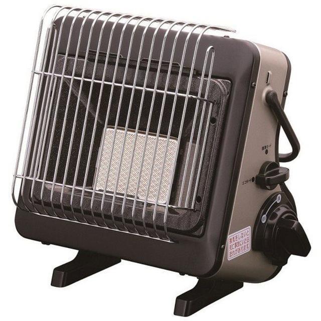 岩谷産業 カセットガスストーブポータブルタイプ マイ暖 CB-CGS-PTB スマホ/家電/カメラの冷暖房/空調(ストーブ)の商品写真