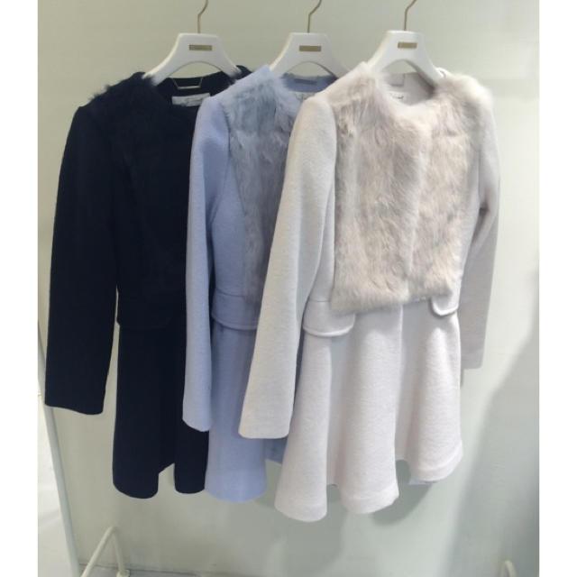 snidel(スナイデル)のファーフレアコート レディースのジャケット/アウター(ロングコート)の商品写真
