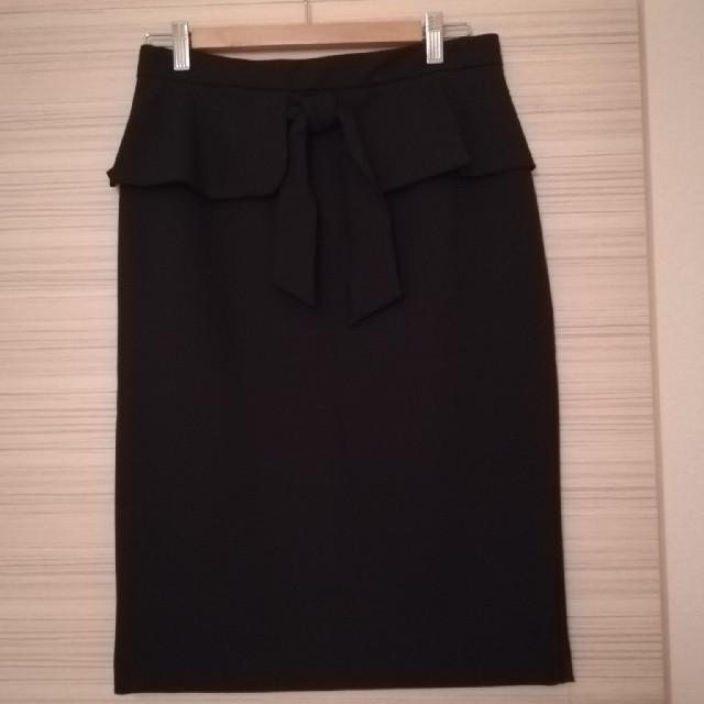 ZARA(ザラ)のZARA BASIC ブラックタイトスカート レディースのスカート(ひざ丈スカート)の商品写真