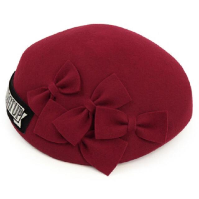 CA4LA(カシラ)のCA4LA  今季完売リボンベレー帽 赤 レディースの帽子(ハンチング/ベレー帽)の商品写真