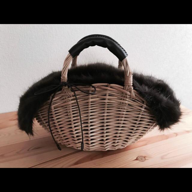 しまむら(シマムラ)の新品 タグ付き☆しまむら ファー付きかごバッグ   バスケット レディースのバッグ(かごバッグ/ストローバッグ)の商品写真